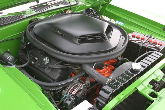 steve-meyer-71-plymouth-hemi-cuda-engine.jpg